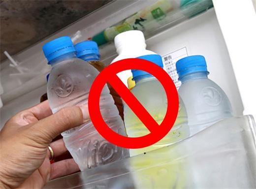 đồ nhựa gây nhiễm khuẩn